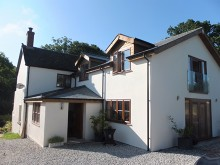 Superbly renovated & extended detached rural home offering spacious and versatile accommodation