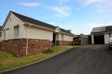 Well Presented Detached Bungalow